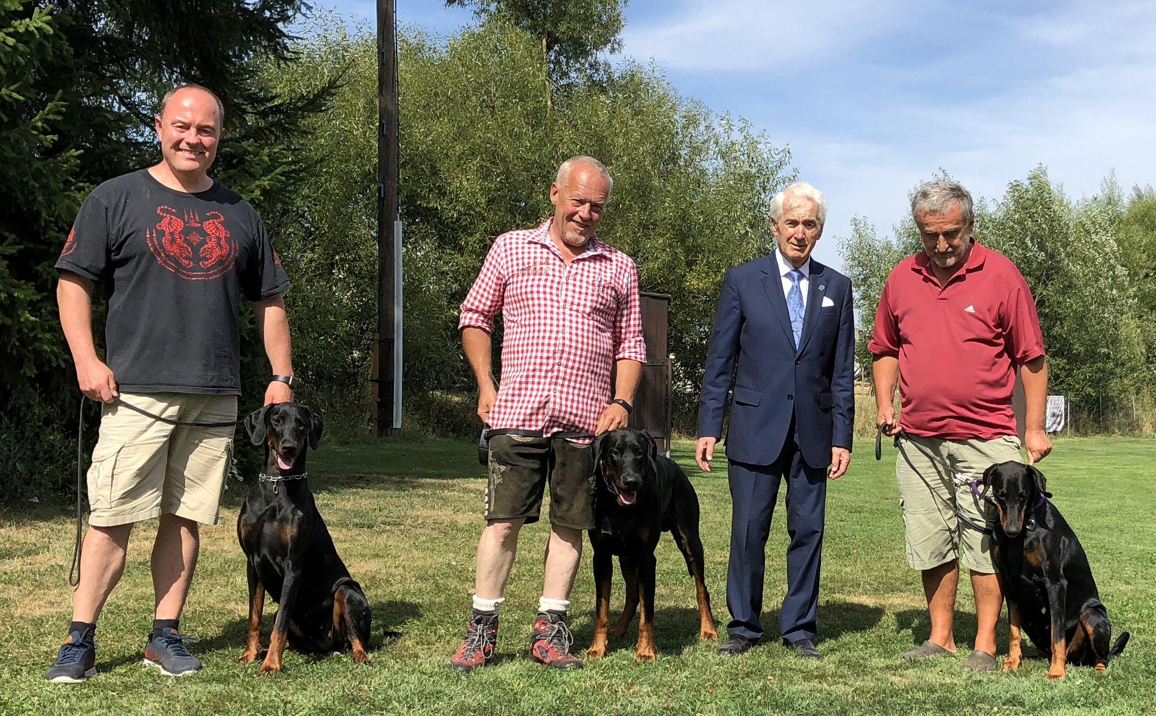 Hunde mit Richter 2018